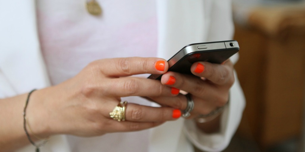 This is how you need to text if you want to get laid tonight