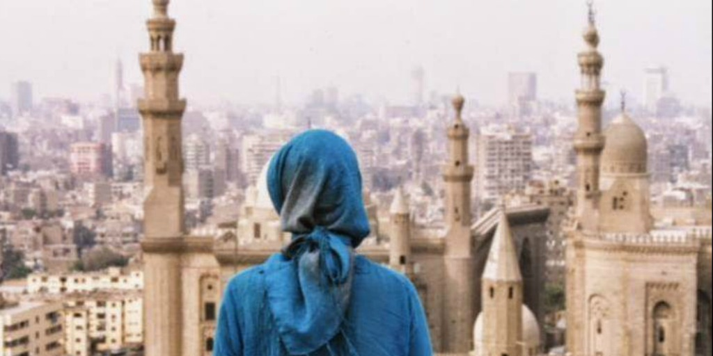 Lady wearing headscarf in Cairo