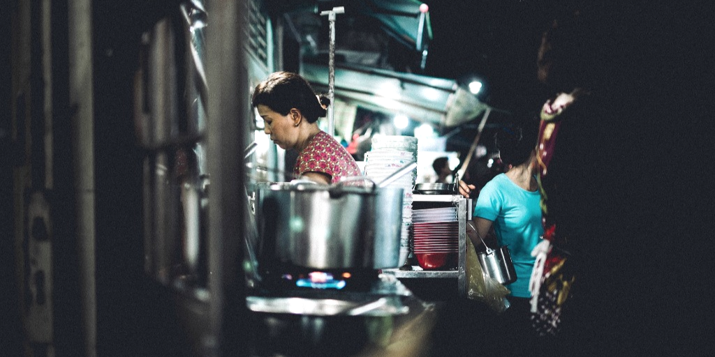 Women working in a professional kitchen