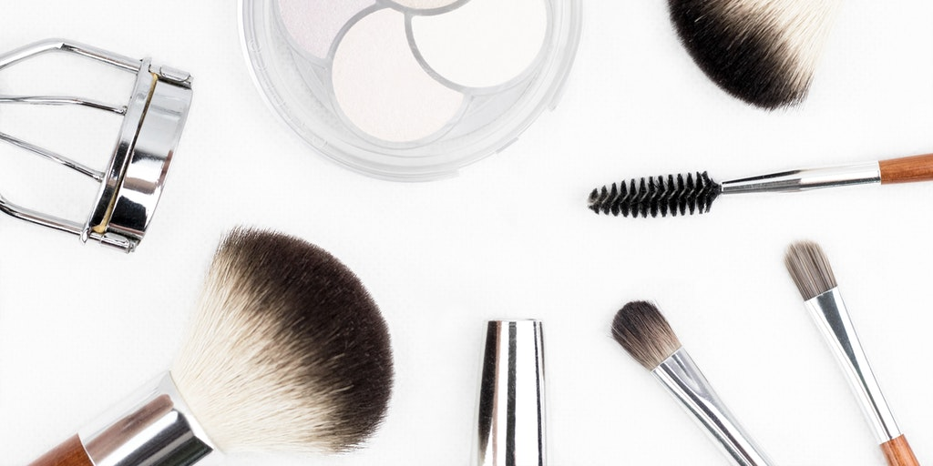 What's in my bag makeup edition: a quick glimpse at my everyday staples