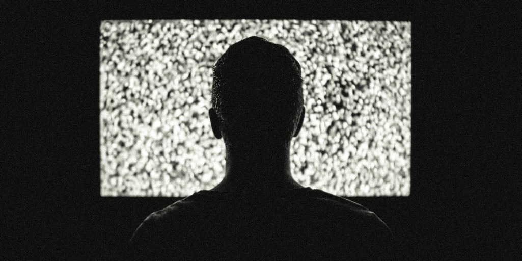 These are the real causes and effects of binge-watching, says science