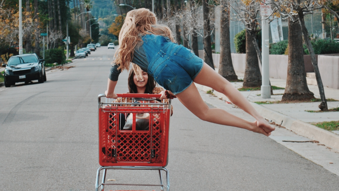 7 tips on how to keep your shopping habits fashion-forward and sustainable