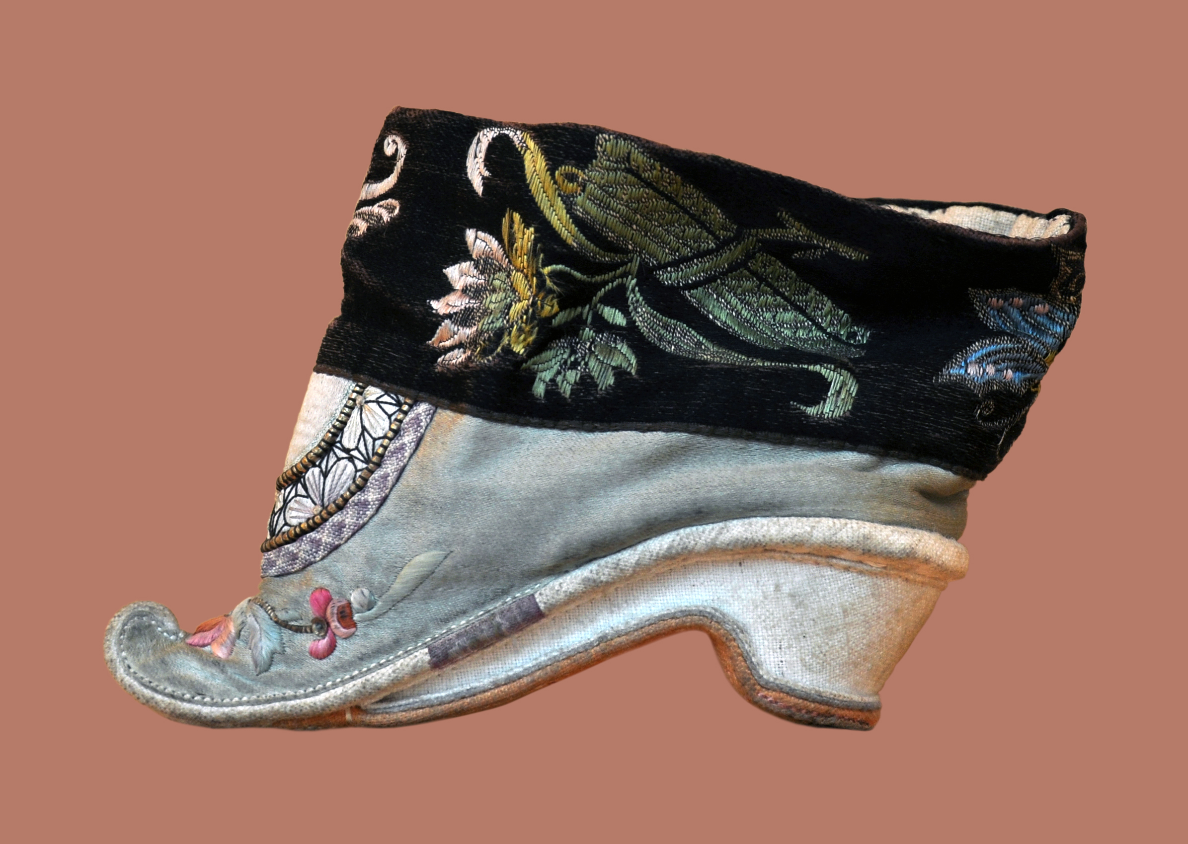 Shoe used by women who took part in foot binding