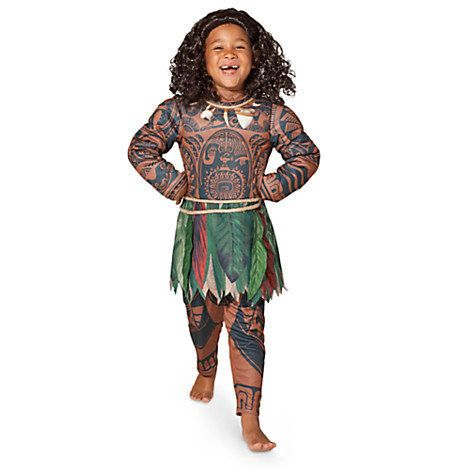 A child smiling, dressed in a Maui costume.