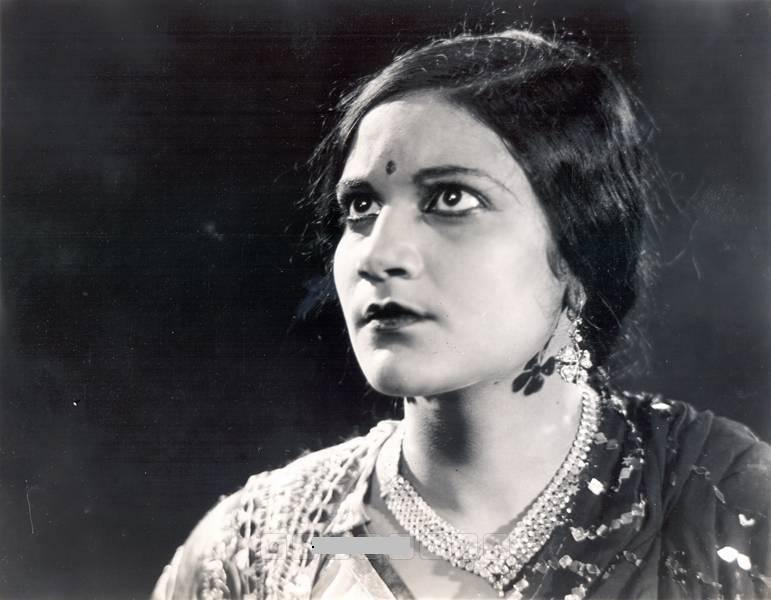 Black and white image of actress Pramila