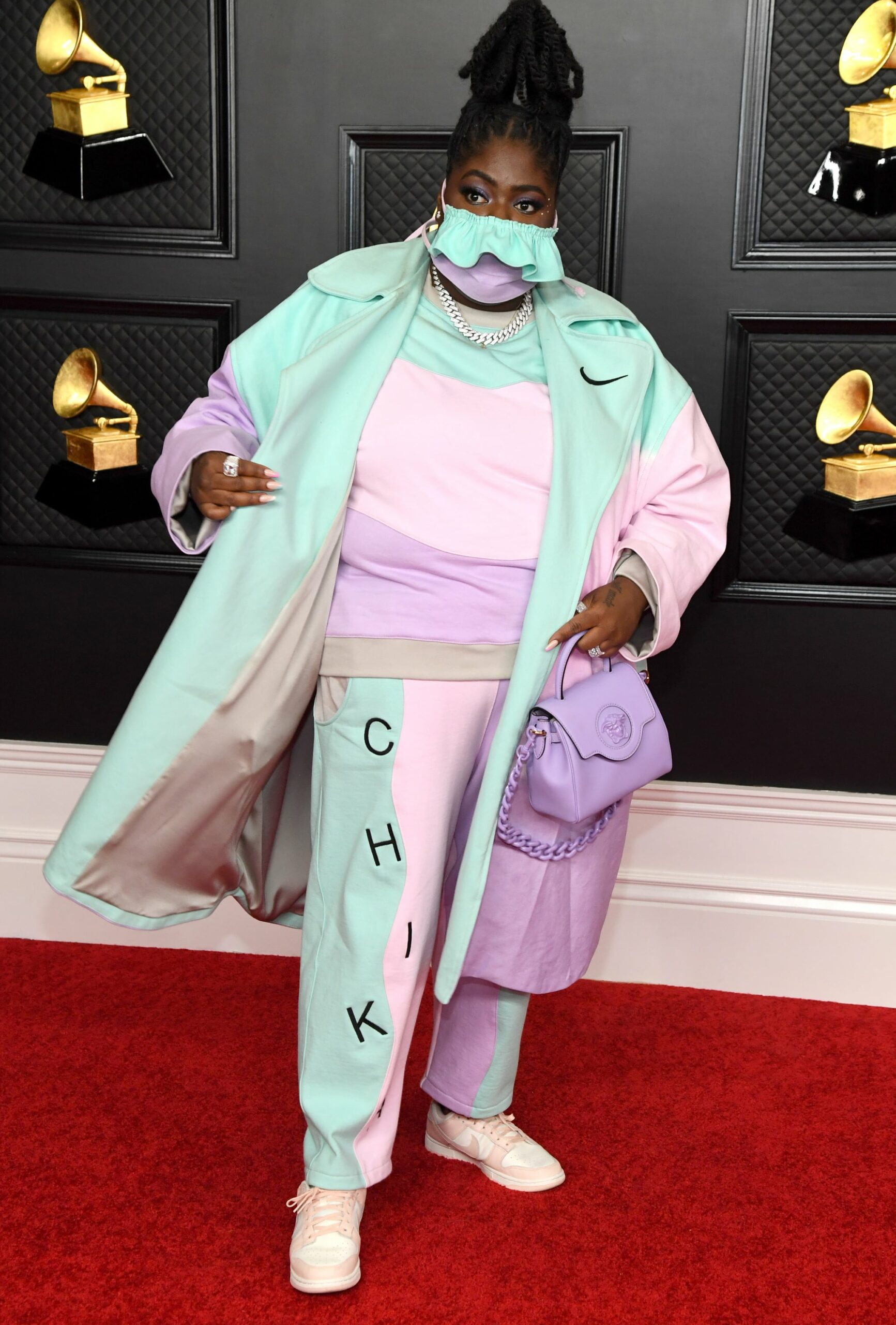Chika posing on the red carpet at the Grammys 2021.